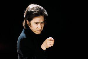 フジテレビ系「古畑任三郎」に出演していた田村正和さん。2004年1月3日放送「古畑任三郎 すべて閣下の仕業」より(フジテレビ提供)