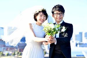 電撃結婚を発表した星野源と新垣結衣。2016年の「逃げ恥―」ではウェディングシーンを披露していた(C)TBS