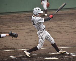 2本塁打を放った国士舘大・渡辺
