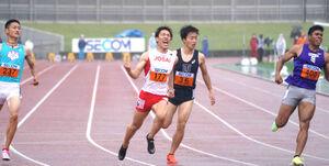 関東インカレ1部100メートルを制した城西大・鈴木涼太(左から2人目)