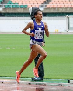 男子1500メートル決勝を大会新で制した東海大静岡翔洋・兵藤