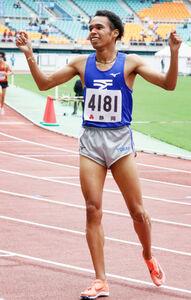 男子800メートルで東海高校新をマークした兵藤ジュダ