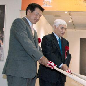 2004年、ともにスポーツ報知評論家としてイベントで共演した原辰徳氏と安藤統男氏