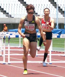 女子100メートル障害で12秒87の日本記録を樹立した寺田明日香