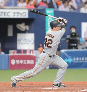 5回2死、広岡大志は中越え三塁打を放つ(カメラ・義村 治子)