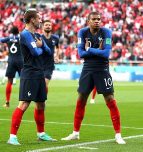 フランス代表のエムバぺ(右)(C)Getty Images