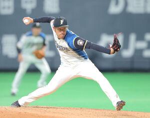 7回から登板する3番手・秋吉亮