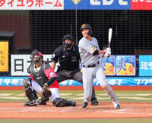7回2死満塁、右前に2点適時打を放つ坂本勇人(カメラ・相川 和寛)