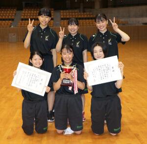 6人の少数精鋭で3年ぶりに優勝した静岡産業大メンバー