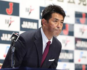 発表会見に登壇した、稲葉篤紀日本代表監督(カメラ・竜田 卓)