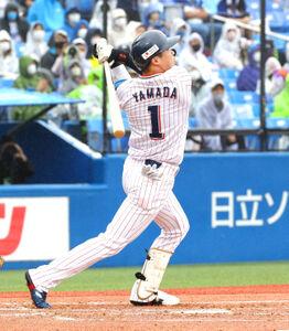 1回2死、右越え18号ソロ本塁打放った山田哲人