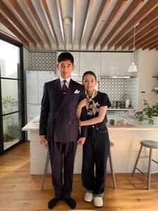 永山瑛太(左)と北川景子(リコカツ オフィシャルブログより)