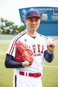 俳優デビューすることになった岡島秀樹(C)「八月は夜のバッティングセンターで。」製作委員会