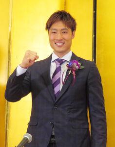 東京五輪選出が決まり、会見した広島GK大迫