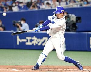 1回2死、高橋周平が先制の右越えソロ本塁打を放つ