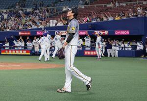 7回2死満塁、堂上直倫に走者一掃の右中間適時二塁打を許した藤浪晋太郎