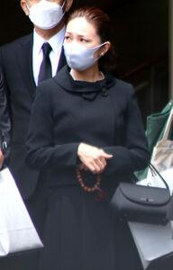 李麗仙さんの葬儀に参列したマルシア