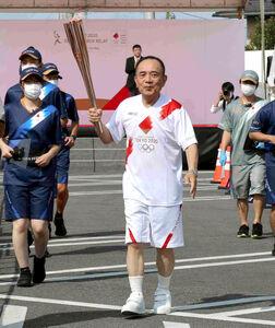 東京五輪の聖火ランナーを務めた三遊亭小遊三