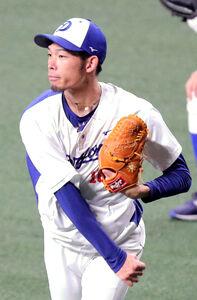 キャッチボールをする又吉克樹(カメラ・義村治子)
