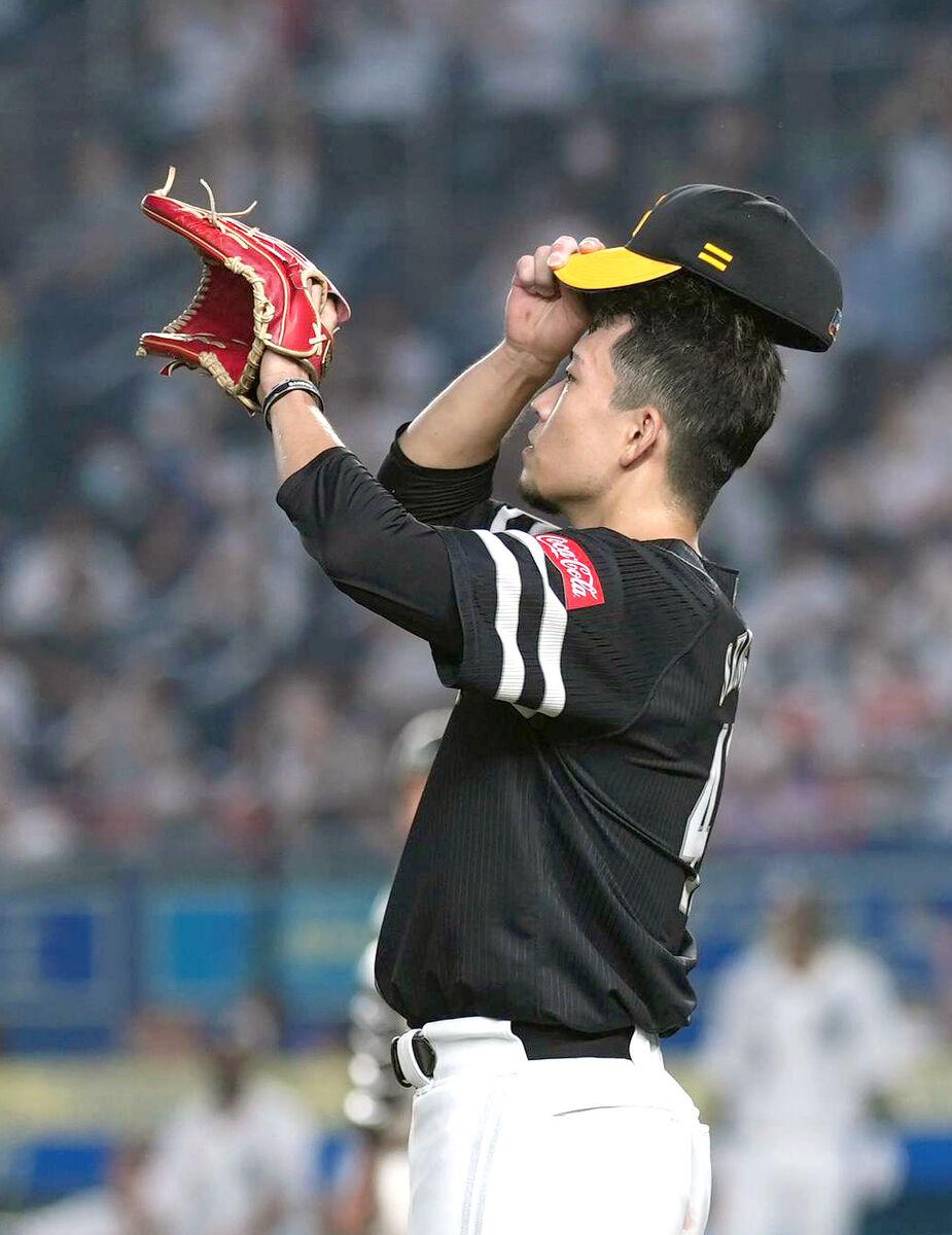 3回2死満塁、荻野貴司に2点二塁打を打たれた千賀滉大