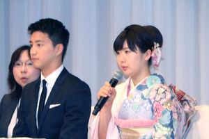 福原愛さん(右)と江宏傑