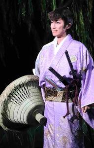 宝塚歌劇星組公演「婆裟羅の玄孫」で主人公・細石蔵之介を演じる轟悠