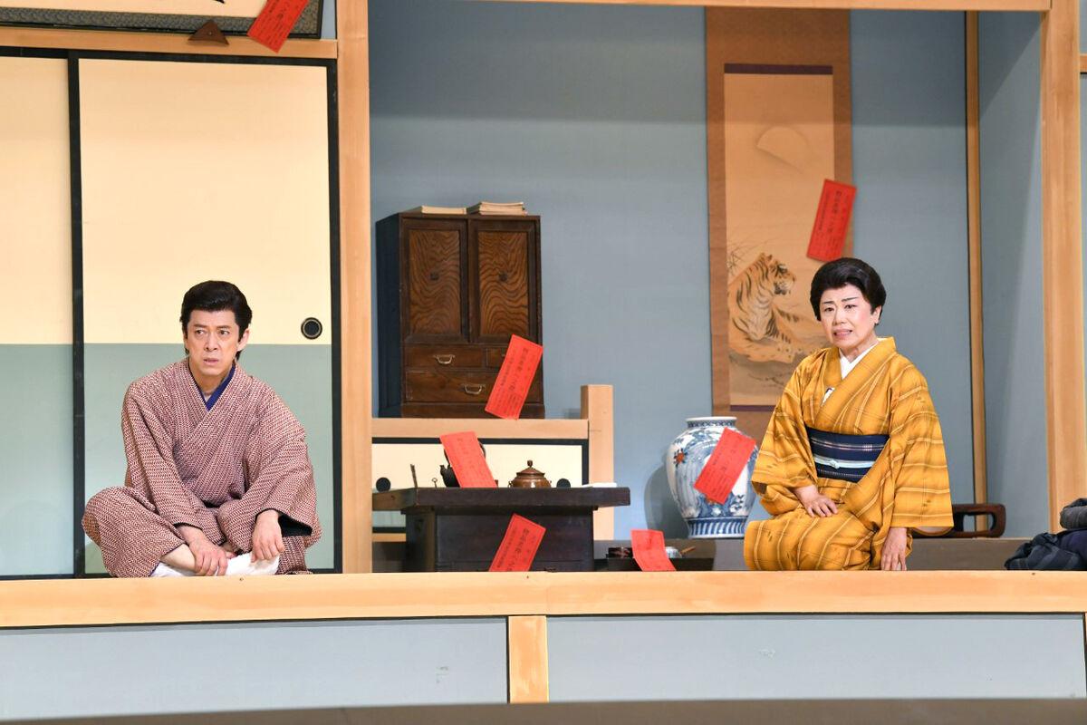 新橋演舞場の舞台「おあきと春団治」で桂春団治役で出演中の西川忠志。藤山直美と姉弟を演じている