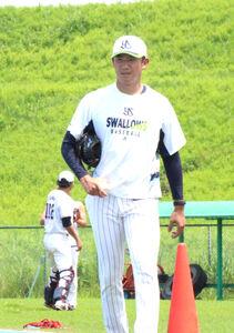 戸田球場で練習を行ったヤクルト・奥川