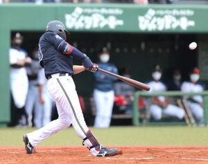 1回2死一塁、右越えの2ラン本塁打を放つ来田涼斗