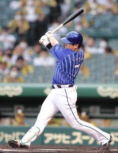 1回無死一、二塁、佐野恵太が先制の右前適時打を放つ