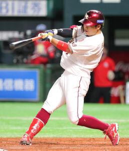 3回1死一塁、鈴木大地は勝ち越しとなる右越え2ランを放つ