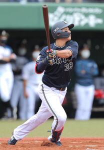1回2死一塁、来田が右越えにプロ初打席初本塁打となる2ランを放つ(カメラ・山崎 賢人)