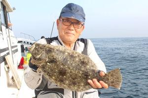 結城さんが釣った0.7キロのヒラメ(源七丸で)