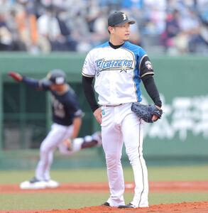 1回2死一塁、来田涼斗(奥)に右越え2ラン本塁打を浴びる池田隆英