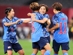 日本・カナダ 後半、同点ゴールを決めた岩渕真奈(カメラ・石田 順平)