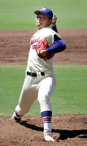 神戸国際大付の阪上翔也投手(3年)は4失点8奪三振で完投勝利