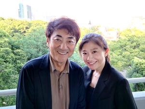 離婚発表に当たり、今月都内で撮影した写真を公開した市村正親と篠原涼