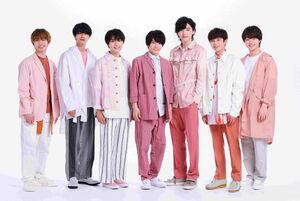 11月12日のデビューが決まったなにわ男子(左から)藤原丈一郎、高橋恭平、大西流星、西畑大吾、道枝駿佑、長尾謙杜、大橋和也
