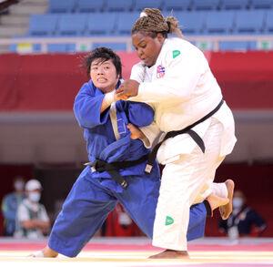 女子78キロ超級で金メダルを獲得した素根輝(左)(カメラ・相川 和寛)