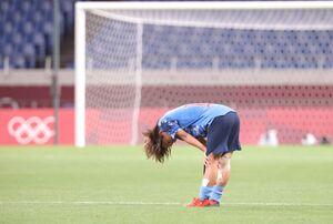 準々決勝でスウェーデンに破れ涙を流す岩渕真奈