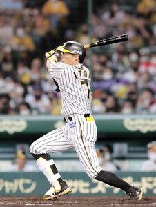 5回1死一塁、右前安打を放つ糸井嘉男