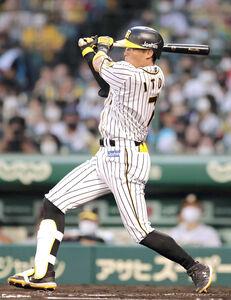 3回2死一塁、糸井が右前安打を放つ