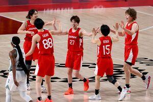 8強入りを決めたバスケ日本女子(ロイター)