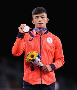 男子グレコローマン60㌔級で銀メダルを獲得した文田健一郎