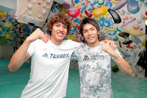 19年、スポーツ報知の企画で弟の楢崎明智(左)と対談した楢崎智亜