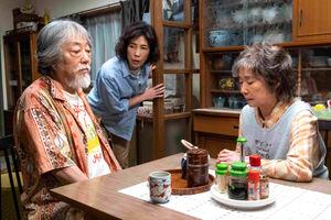 「キネマの神様」での(左から)沢田研二、寺島しのぶ、宮本信子(C)2021「キネマの神様」製作委員会∥松竹