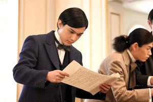 日本からの書状に衝撃を受ける渋沢栄一(吉沢亮)