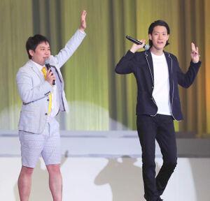 土曜夜にフジテレビが復活させるお笑いバラエティー枠のカギを握る「霜降り明星」のせいや(左)と粗品