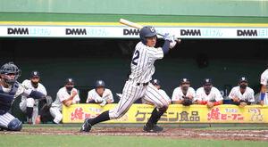 延長10回、決勝打を放った龍谷大・多田龍平