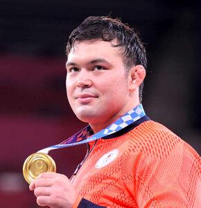 東京五輪男子100キロ級で優勝し、柔道3冠を達成したウルフ・アロン